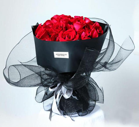 Red Rose Black Lace Wrapping Bouquet
