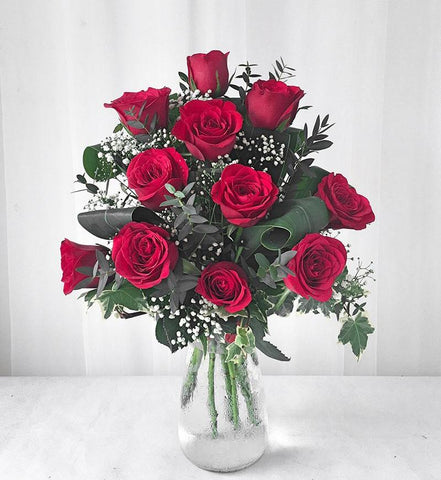 Red Roses in Vase Arrangement (Melaka Delivery Only)