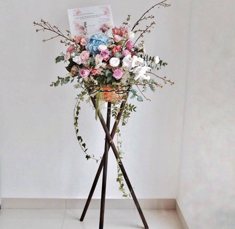 Signature Flower Stand