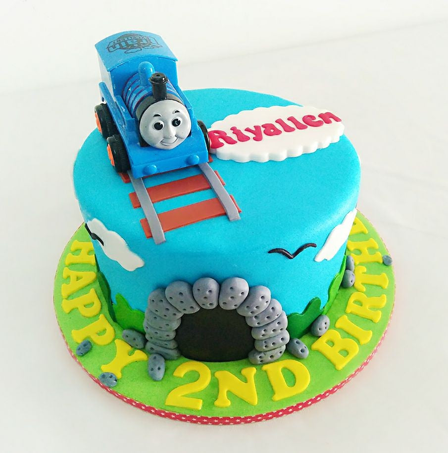 Swell Thomas Friends Cake Giftr Malaysias Leading Online Gift Shop Funny Birthday Cards Online Fluifree Goldxyz