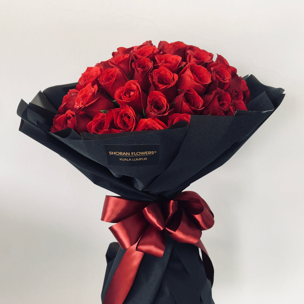 Naomi 60 Roses Bouquet Giftr Malaysia S Leading