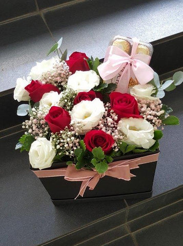 Roses Eustomas & A Box of Ferrero Rocher set
