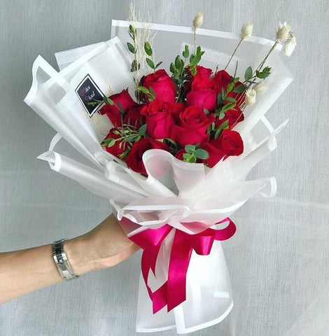 Ruby Radiance Red Roses (Ipoh Delivery Only)