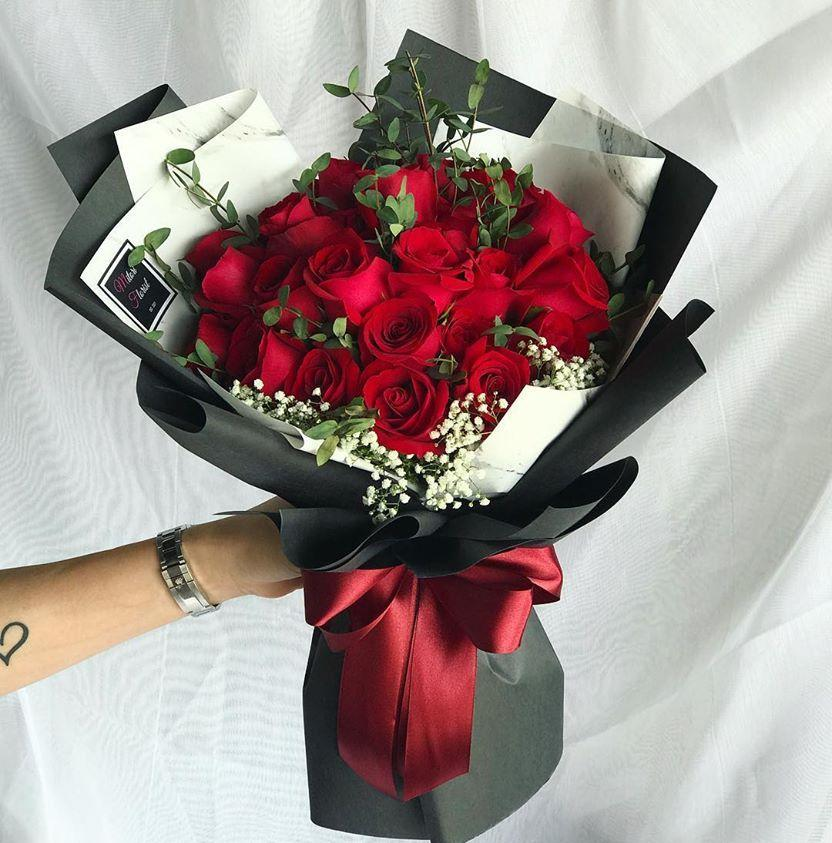 Amour Classic Roses (Ipoh Delivery Only)