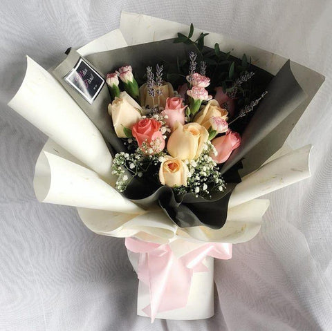 Daydream Pink & Champagne Roses (Ipoh Delivery Only)
