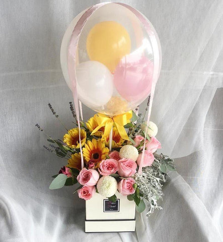 Lullaby 'Hot Air Balloon ' with Flowers (Ipoh Delivery Only)