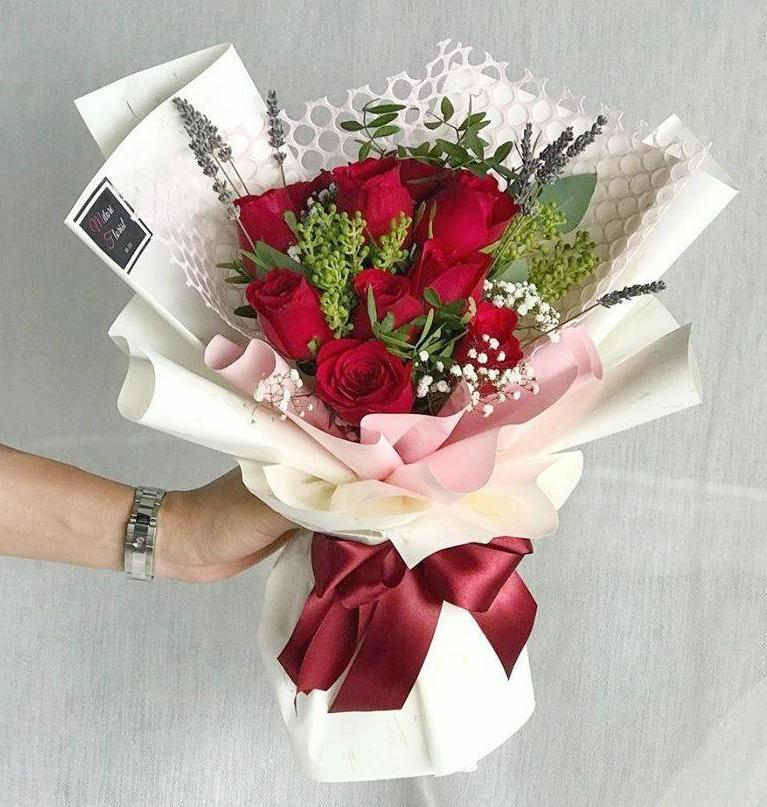Serenity Red Roses Bouquet (Ipoh Delivery Only)