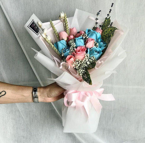 Winter Vibes Blue & Pink Roses Bouquet (Ipoh Delivery Only)