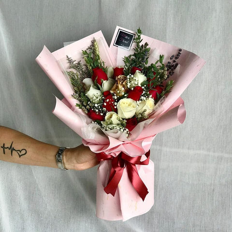 Elegant Ambers Roses Bouquet (Ipoh Delivery Only)