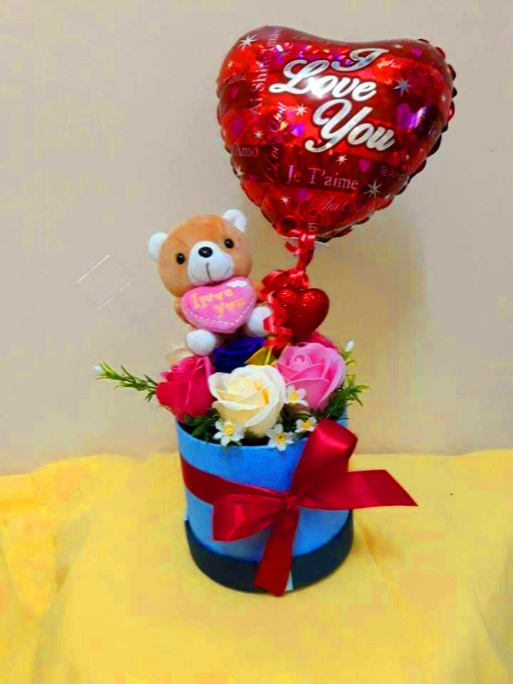Soap Roses Flower Box with Balloon
