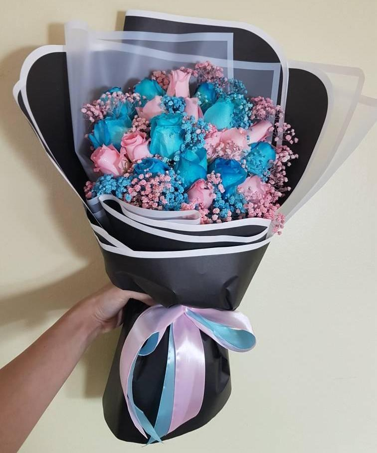 Pink and Blue Roses Bouquet