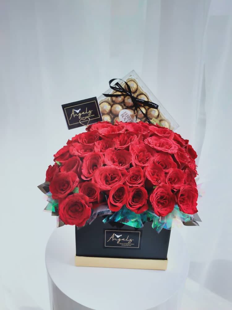 50 Roses Flower Boxes (Negeri Sembilan Delivery only)