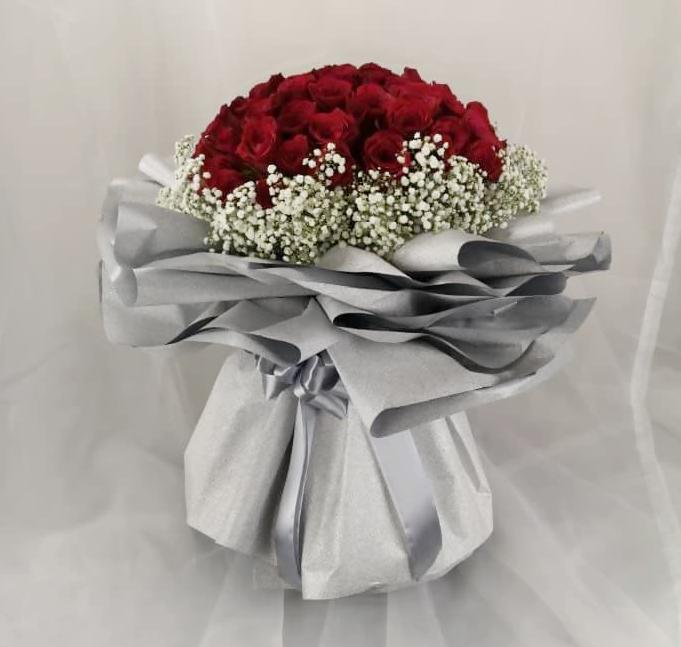 Cool White Red Roses Bouquet