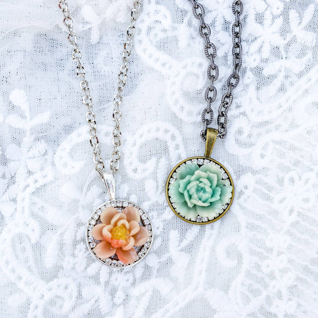 Glamour Floral Necklace