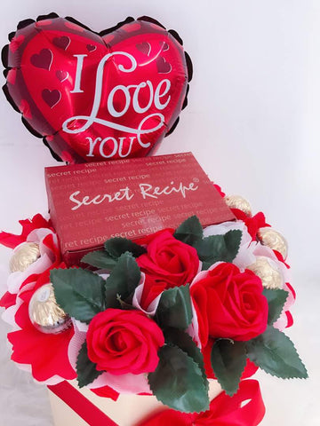 Soap Roses Bloom Box with Balloon and Cake (1 slice)