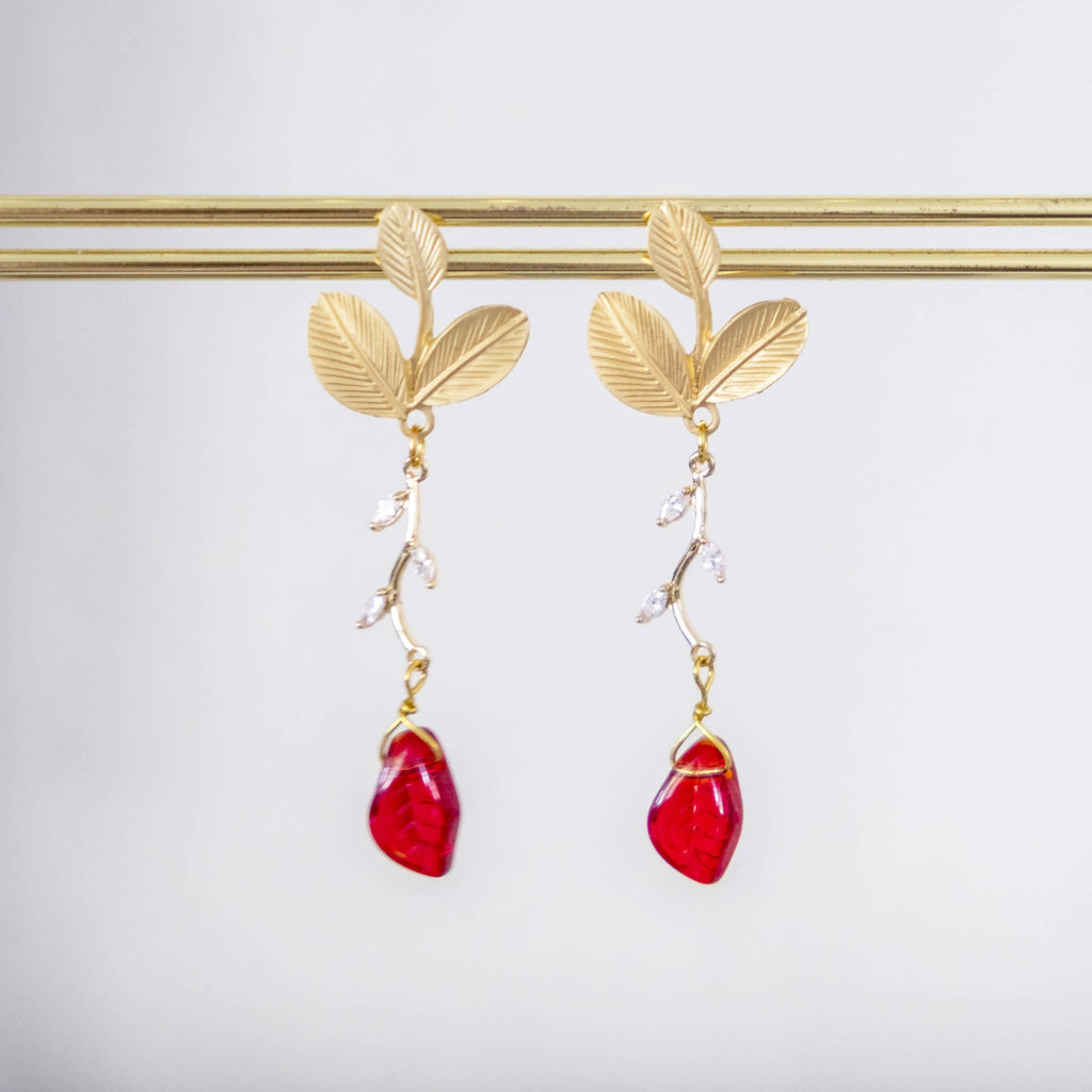 Leaf in Matte Gold and Red Earring