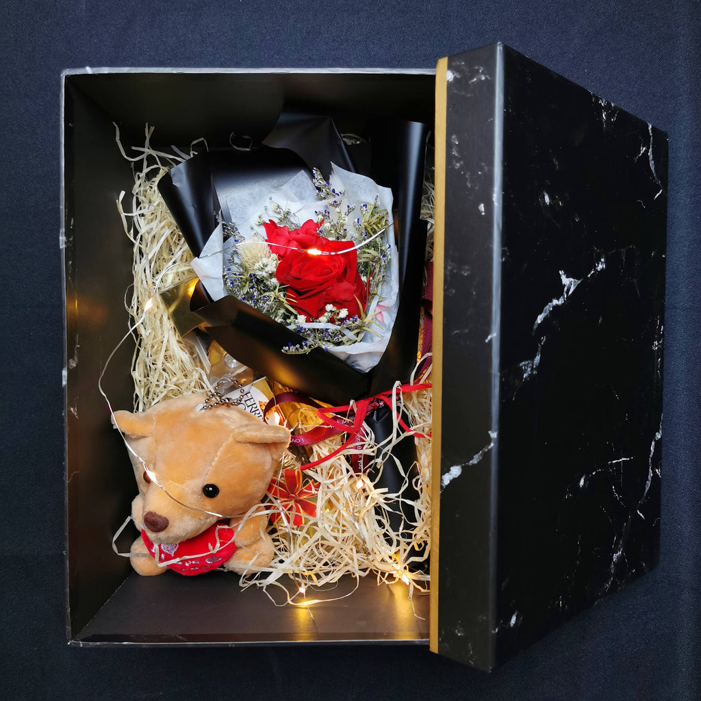 Preserved Flower with lights, chocolate and bear
