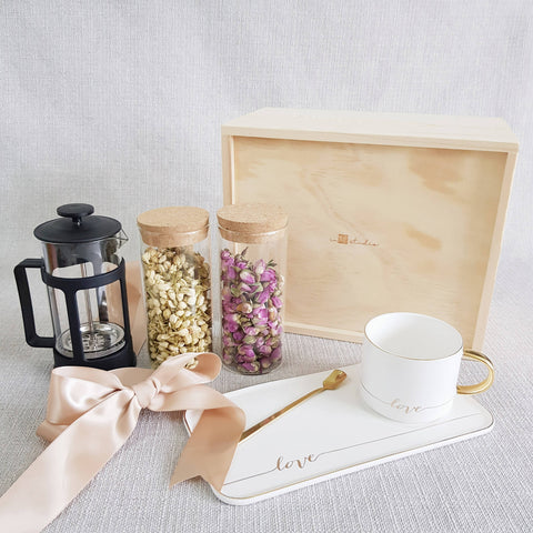 FLOWER TEA PINE WOOD GIFT SET 09 (Klang Valley Delivery)