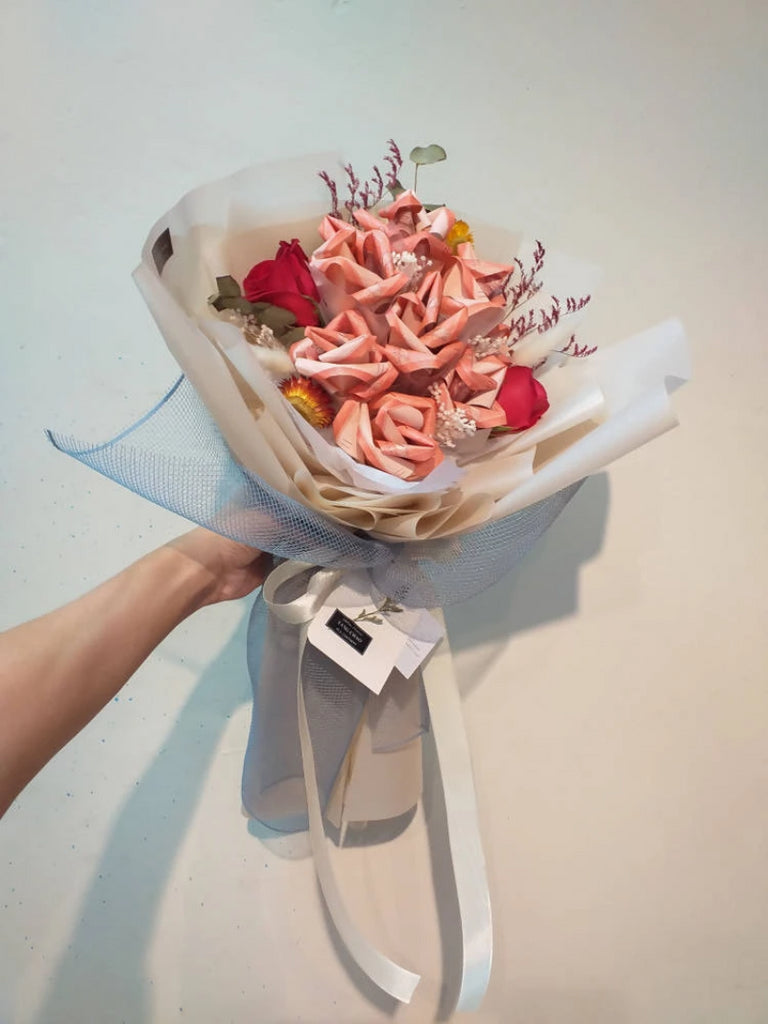 Hots For Money Flower Bouquet Johor Bahru Delivery Only Giftr Malaysia S Leading Online Gift Shop