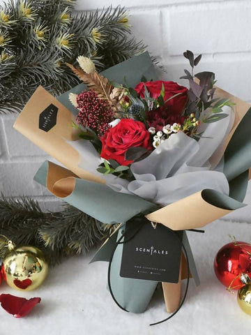 Jolly Rendezvous Flower Bouquet (Small) - Christmas 2018