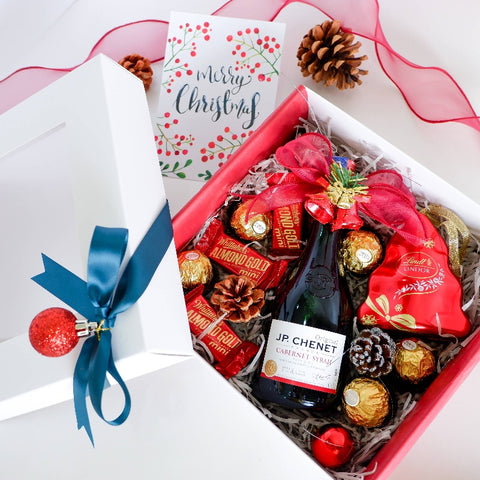 Merry Miniature Red Wine Chocolates Gift Set Christmas 2020