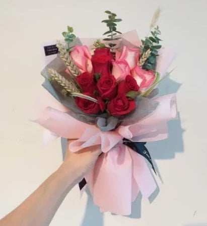 Absoluto Flower Bouquet (Johor Bahru Delivery only)