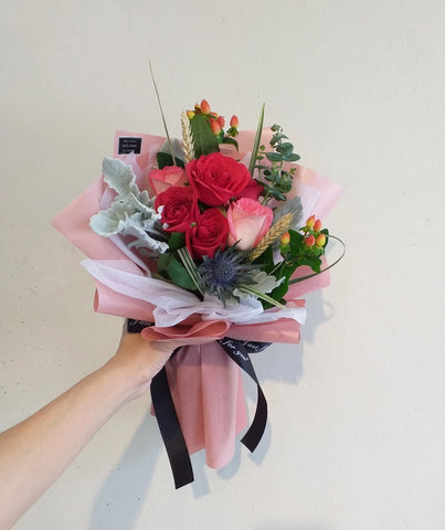 Amorio - Rose Flower Bouquet (Johor Bahru Delivery only)