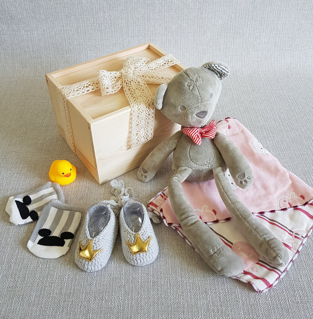 New Born Baby Gift Box - BM02 (Klang Valley Delivery)