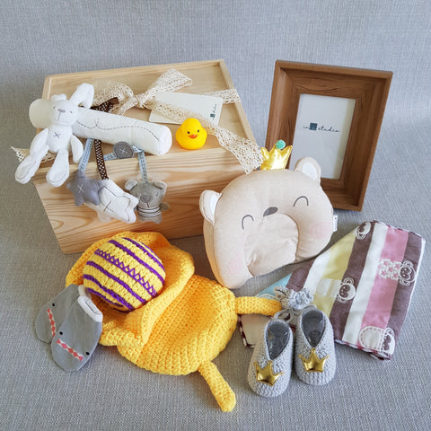 New Born Baby Gift Box - BXL02 (Klang Valley Delivery)