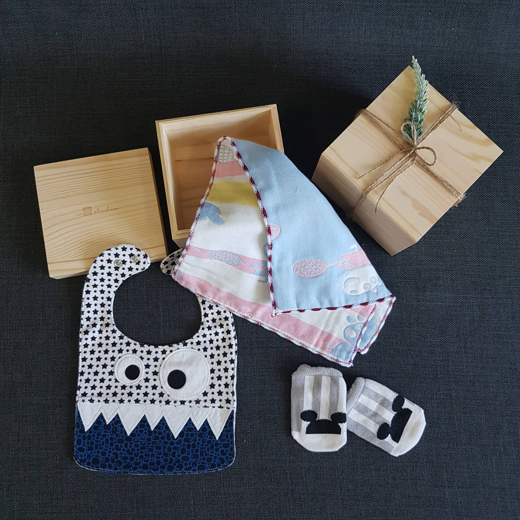 NEWBORN BABY GIFT BOX BS02 (Nationwide Delivery)