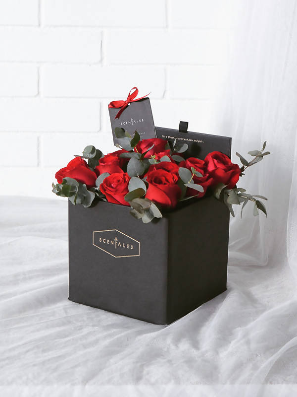 (Valentine's Day 2020) Minimalist Red Rose Black SquareBox
