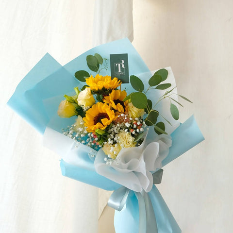 Sunflower with Eustoma (Melaka Delivery Only)