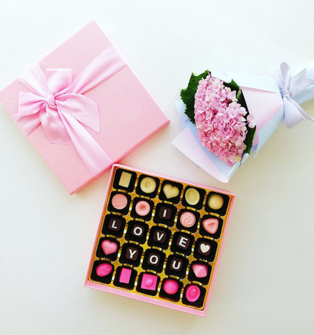 Pink Vibes Combo (Chocolate with Hydrangeas)