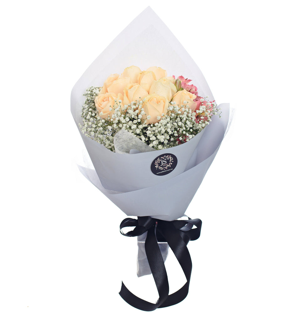 Sweet Posy Champagne Roses