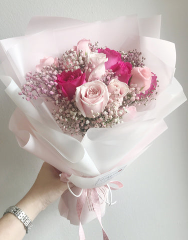 Lover 12 Pink Roses with Baby Breath Bouquet