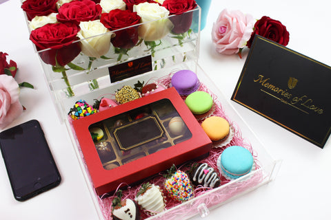 Crystal Box with Dessert Surprise Package (Medium)