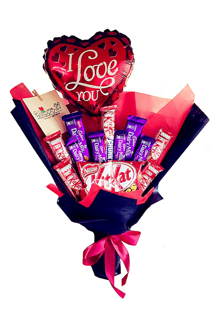 Mix Chocolate Hand Bouquet With Balloon