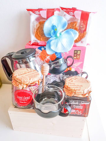 Mooncake Tea Hamper (Klang Valley Delivery Only)