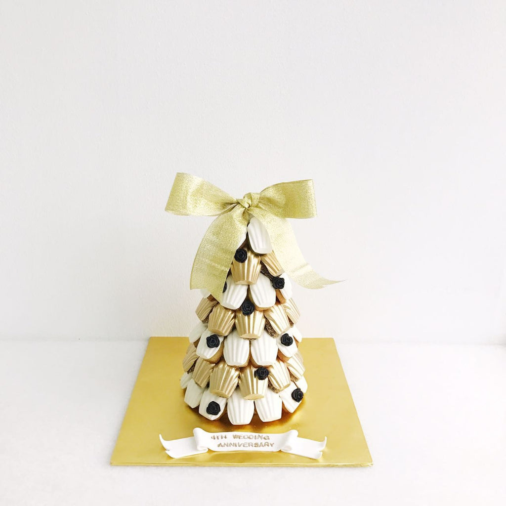 White & Gold Madeleine Tower with Mini Black Flower