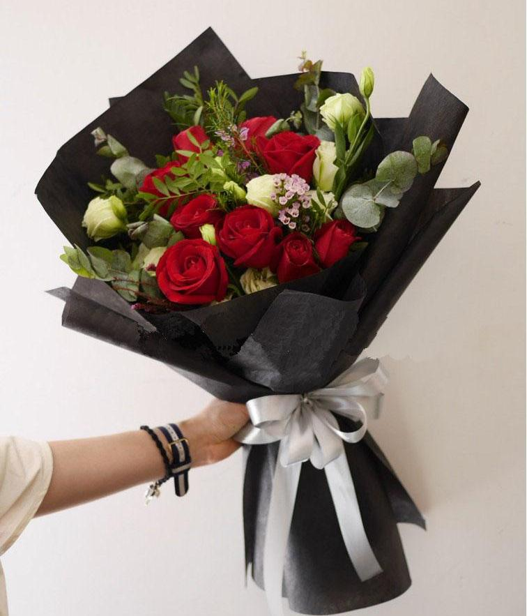 Sashay Red Bouquet (Penang Delivery only)