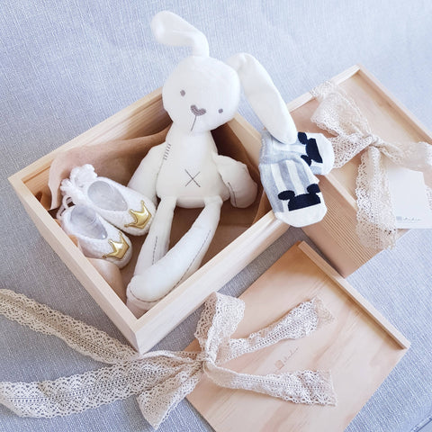 New Born Baby Gift Box 02 (Klang Valley Delivery)