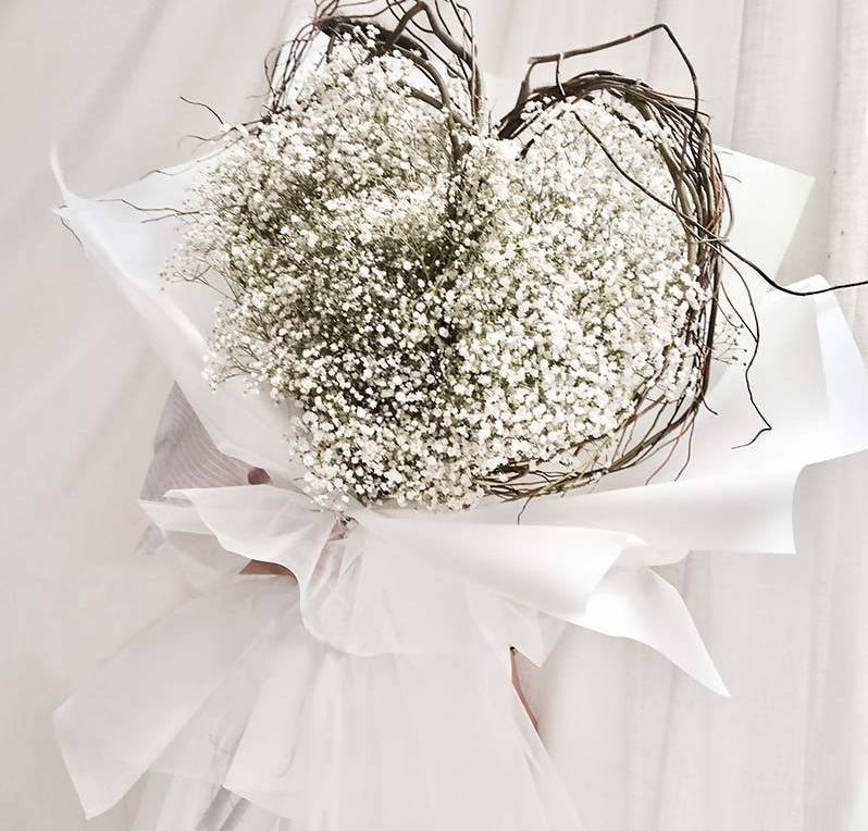 Giant Majestic Heart Shape Baby Breath Bouquet