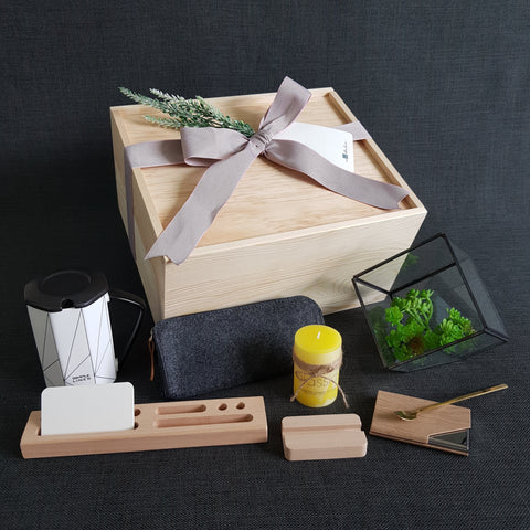Working Space Gift Box - OXL03 (Klang Valley Delivery)