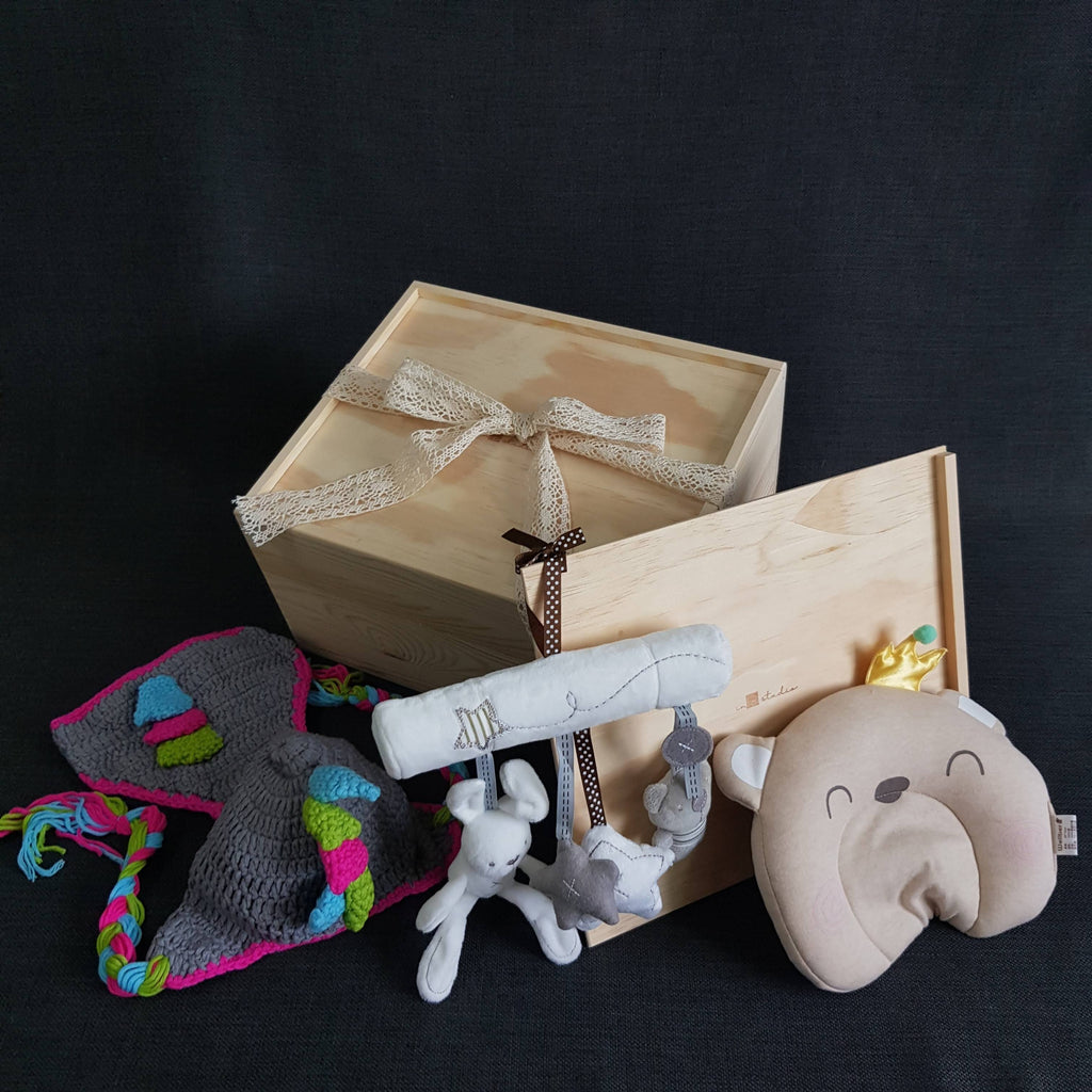 New Born Baby Gift Box - BXL06 (Klang Valley Delivery)