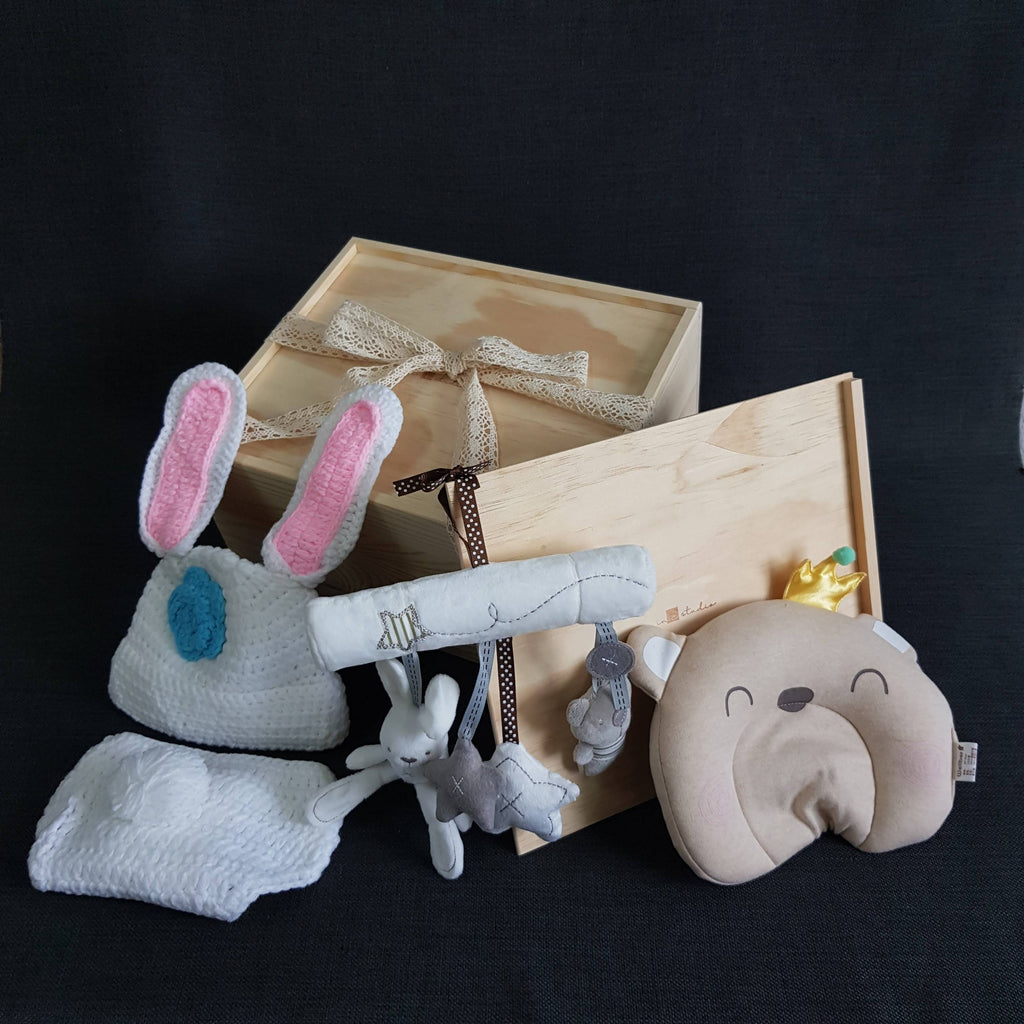 New Born Baby Gift Box - BXL05 (Nationwide Delivery)