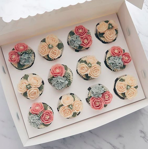 Mixed Design Flower Buttercream Cupcakes (12 Cupcakes)