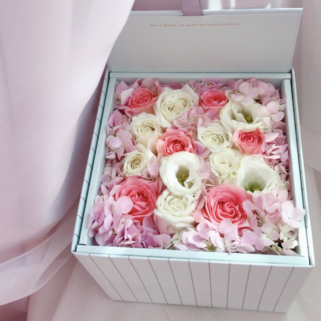 Eighteen Blossom's Flower Box - Small Square Box