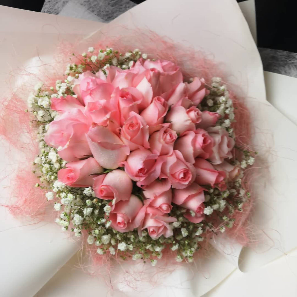 Valentine's Day 2020 Romantic Pink Roses Bouquet