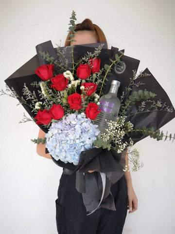 Man in Black Flower Bouquet for Him (Negeri Sembilan Delivery Only)