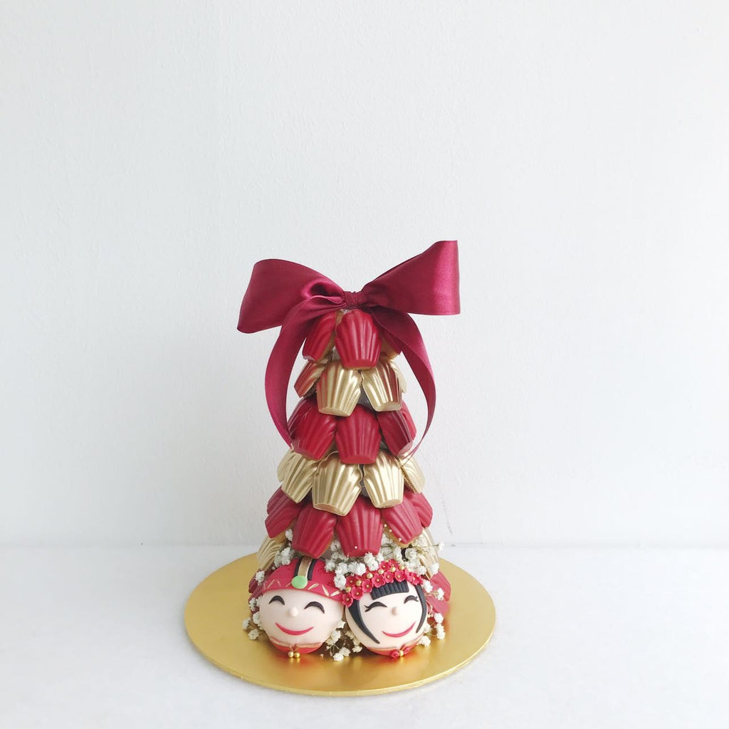 Traditional Chinese Wedding Red & Gold Madeleine Tower